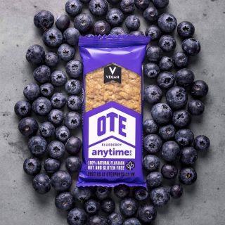 💥 NOVO V PONUDBI💥OTE Anytime energijska ploščica z okusom BOROVNICE.100% naravna ovsena ploščica je brez glutena in primerna za VEGANE🌱Promo popust -15% samo do konca meseca‼️💪